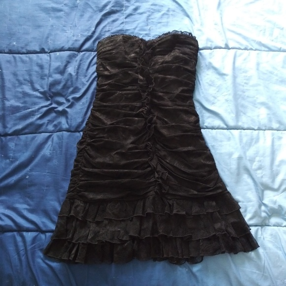bebe Dresses & Skirts - Sexy fitted Bebe dress size Medium